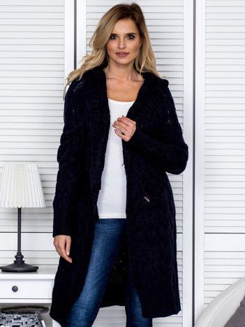 Granatowy długi warkoczowy sweter