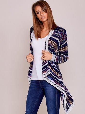Granatowy niezapinany sweter z kolorową nicią