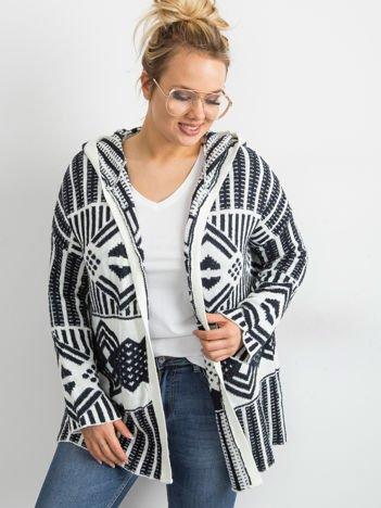 Granatowy sweter z kapturem PLUS SIZE