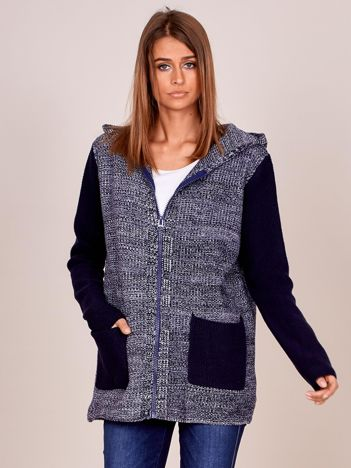 Granatowy sweter z kapturem na suwak