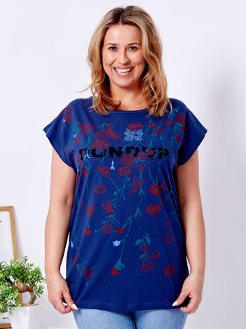 Granatowy t-shirt z printem PLUS SIZE