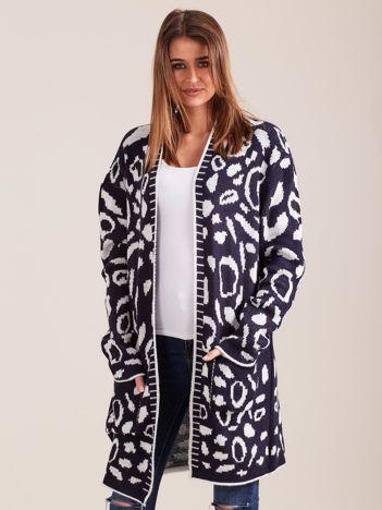 Granatowy wzorzysty sweter damski