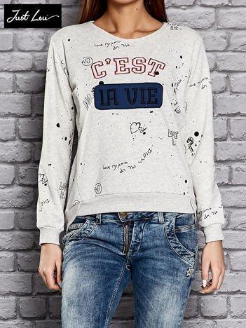 JUST LOU Jasnoszara bluza z napisem C'EST LA VIE