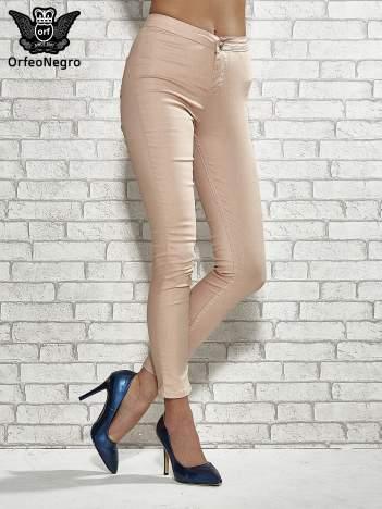 Jasnobrązowe spodnie rurki skinny