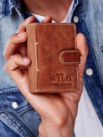 Jasnobrązowy portfel ze skóry z klapką