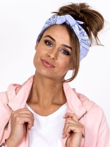 Jasnoniebieska chustka bandanka na głowę ze wzorem paisley
