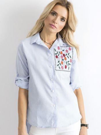Jasnoniebieska koszula w paski z kwiatowym haftem