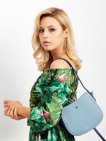 Jasnoniebieska torebka z odpinanym paskiem