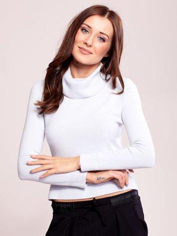 Jasnoniebieski sweter damski z golfem