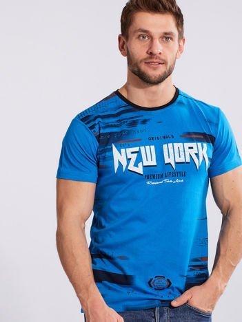 Jasnoniebieski t-shirt dla mężczyzny z printem