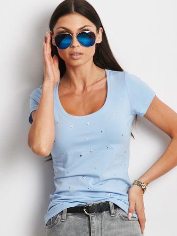 Jasnoniebieski t-shirt z aplikacją