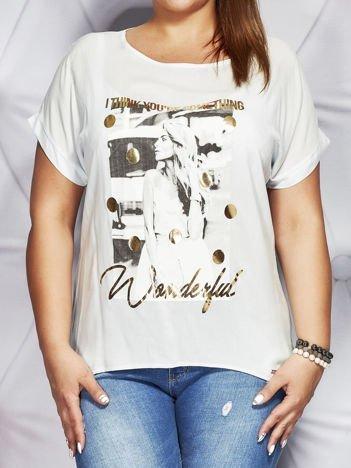 Jasnoniebieski t-shirt z fotograficznym nadrukiem PLUS SIZE