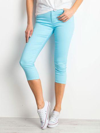 Jasnoniebieskie spodnie Pingback