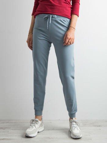 Jasnoniebieskie spodnie dresowe z troczkami