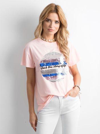 Jasnoróżowa koszulka z cekinami