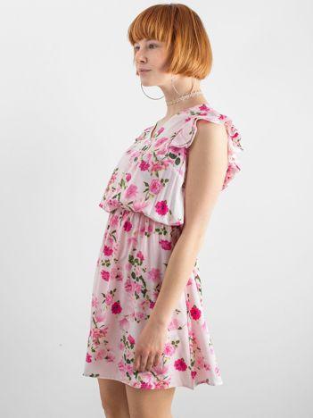 c396f0abb0 Jasnoróżowa sukienka w kwiatowe wzory