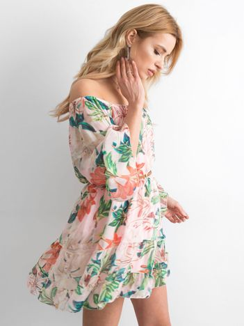Jasnoróżowa zwiewna sukienka hiszpanka w kwiaty