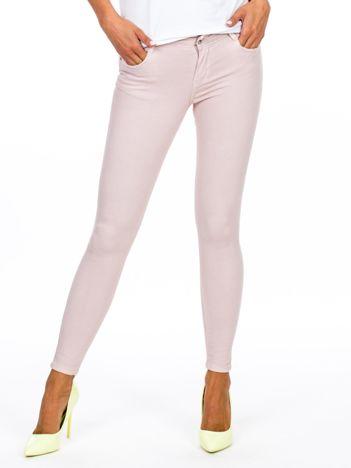 Jasnoróżowe dopasowane spodnie