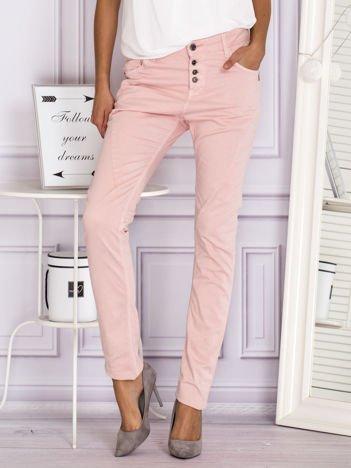 Jasnoróżowe proste spodnie materiałowe