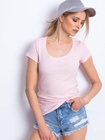 Jasnoróżowy prążkowany t-shirt