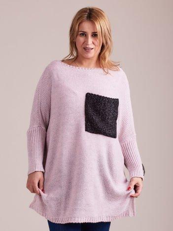 Jasnoróżowy sweter o luźnym splocie MAGPIE