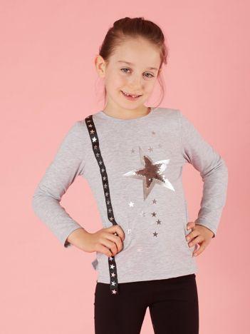 Jasnoszara dziecięca bluzka z aplikacją