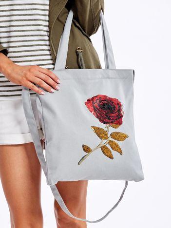 Jasnoszara materiałowa torba z cekinową różą