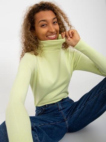Jasnozielony dopasowany sweter z golfem
