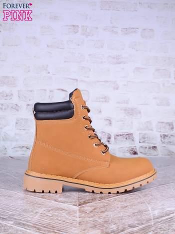 Karmelowe buty trekkingowe damskie traperki ocieplane z ciemną lamówką na podeszwie