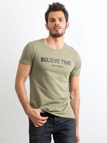 Khaki bawełniany t-shirt męski z napisem