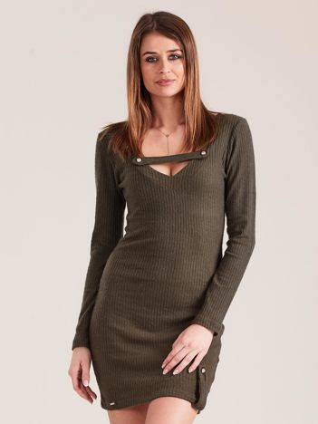 Khaki dopasowana sukienka z głębokim dekoltem V