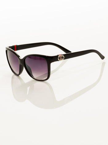 Klasyka i elegancja czarne okulary przeciwsłoneczne ze zdobieniem na zausznikach