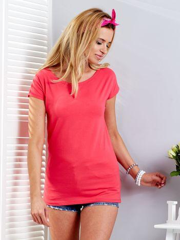 Koralowy t-shirt z rozcięciami z tyłu
