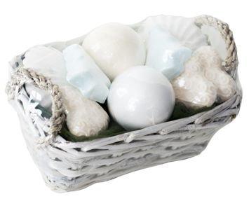 Koszyk prezentowy z figurkami do kąpieli 600g