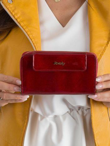 Lakierowany damski portfel czerwony