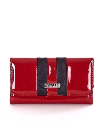 Lakierowany portfel z czarną wstawką bordowy