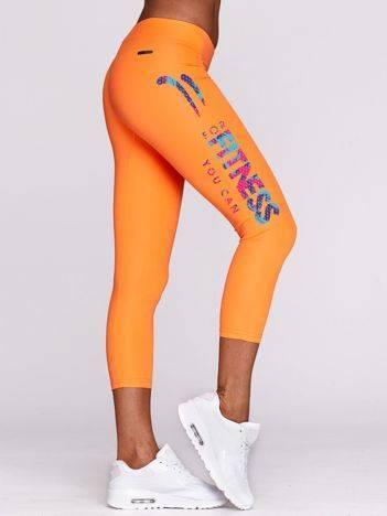 Legginsy do fitnessu z kolorowym nadrukiem fluo pomarańczowe