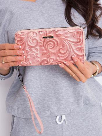 Łososiowy skórzany portfel damski