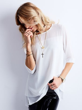 Luźna damska bluzka biała