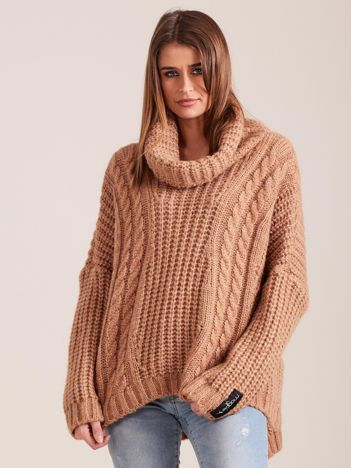 Luźny sweter z golfem jasnobrązowy MAGPIE