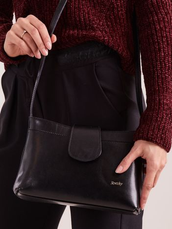 Mała skórzana torebka z odpinanym paskiem czarna