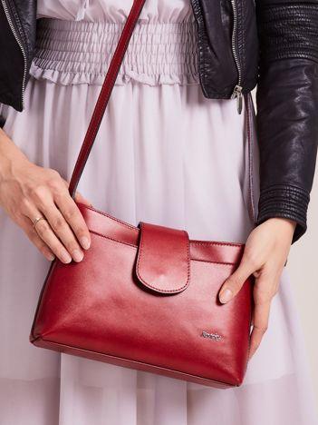 Mała skórzana torebka z odpinanym paskiem czerwona