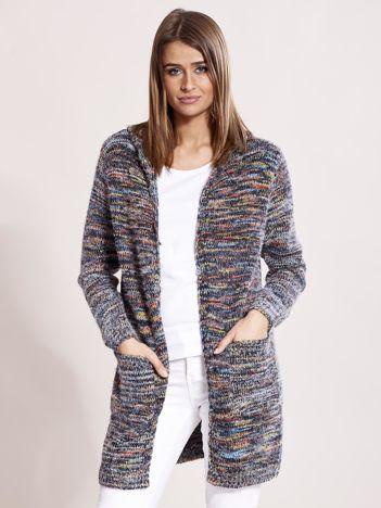 Melanżowy sweter damski z kapturem