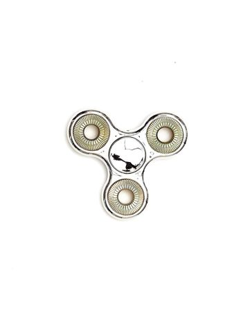 Metalowy srebrny fidget spinner z ozdobnymi kółkami