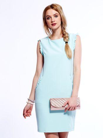 Miętowa sukienka z drobnymi falbankami