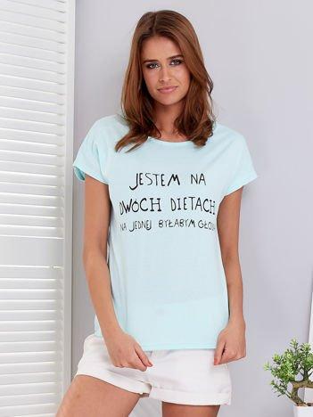 Miętowy t-shirt JESTEM NA DWÓCH DIETACH