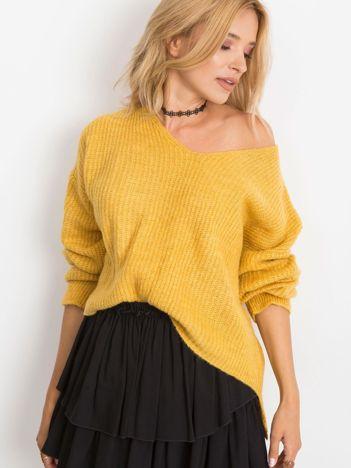 Musztardowy sweter Wandering