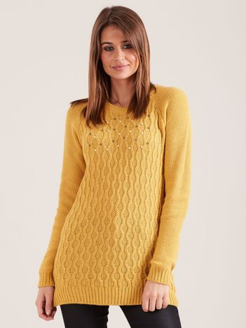 Musztardowy sweter damski z aplikacją