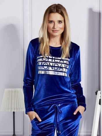 Niebieska aksamitna bluza ze srebrnym nadrukiem
