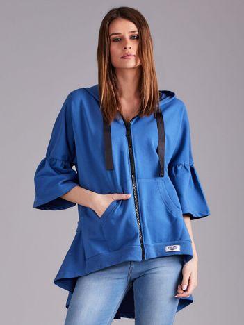 Niebieska bluza dresowa z szerokimi rękawami
